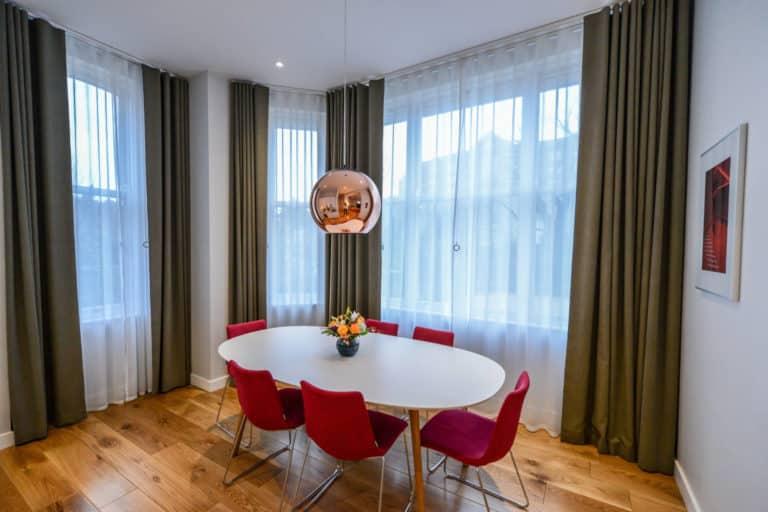 Merrion Suite at PREMIER SUITES PLUS Dublin Ballsbridge dining table