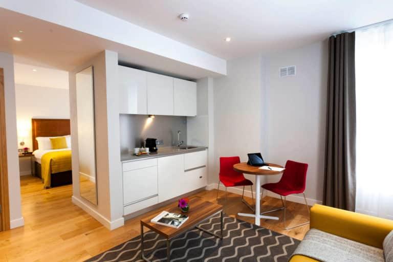PREMIER SUITES PLUS Dublin Ballsbridge fully equipped kitchen