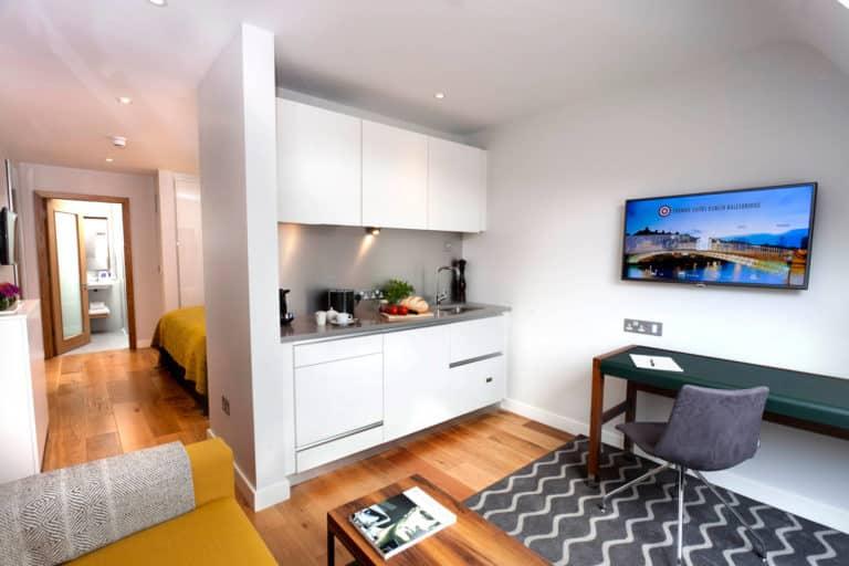 PREMIER SUITES PLUS Dublin Ballsbridge kitchen executive studio suite