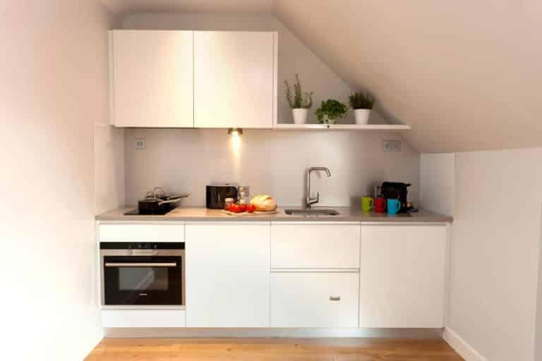 PREMIER SUITES PLUS Dublin Ballsbridge kitchen of two bed penthouse