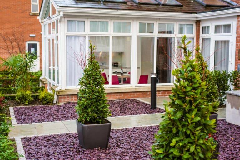 PREMIER SUITES PLUS Dublin Ballsbridge two bedroom courtyard suite garden