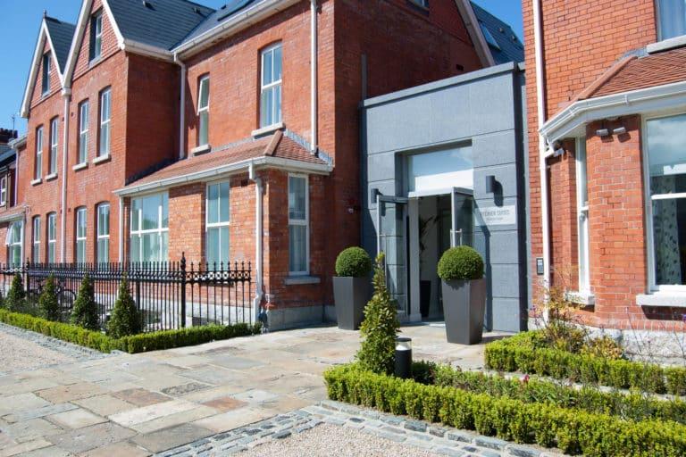 PREMIER SUITES PLUS Dublin Ballsbridge entrance